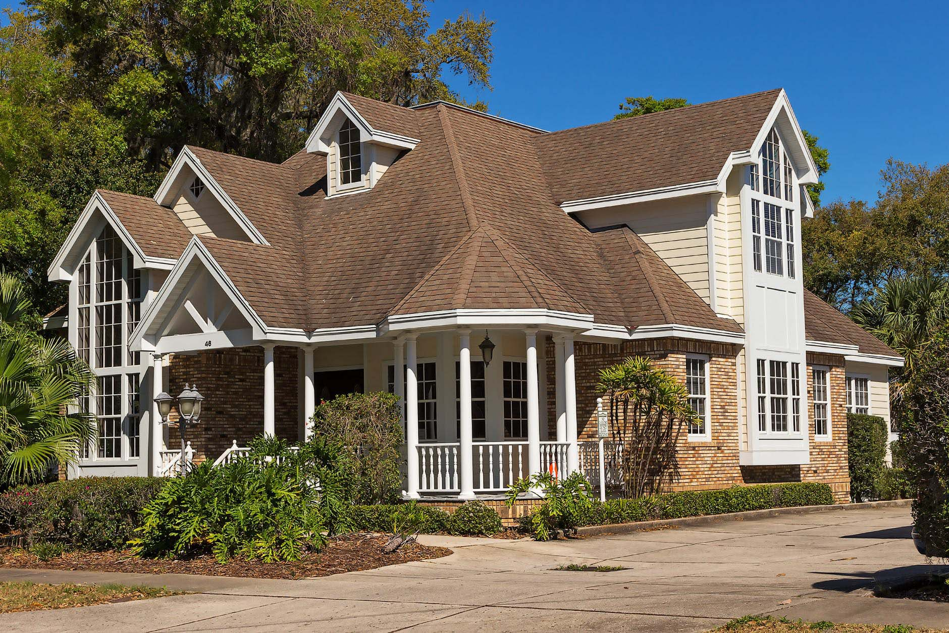 metal roofing pros and cons