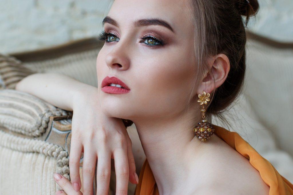 Makeup Artist - Zoylee